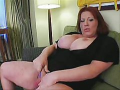 Plumper T-girl Jerkoff