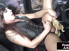 Leather femboy mastering her..