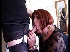 2 crossdressers spunk smooches